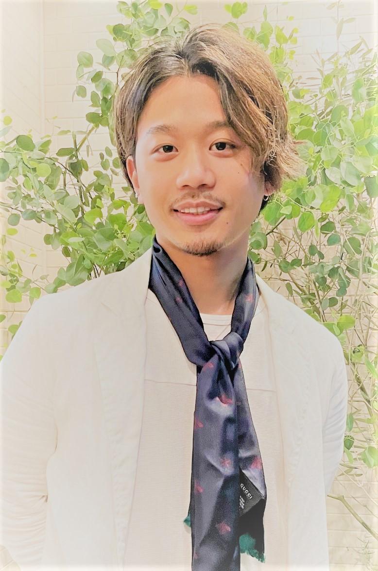 Staff / 02